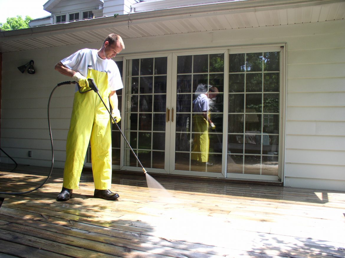 Power Washing Vs. Pressure Washing; Which One is The Best Option?