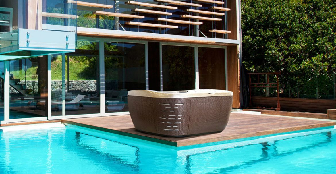 Maintenance of Inflatable Hot Tubs: Here's How You Can Take Care of Yourself